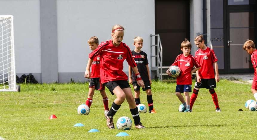 https://b04-ep-media-prod.azureedge.net/pickerimages/Fusballschule_Unterwegs_49885_M.jpg
